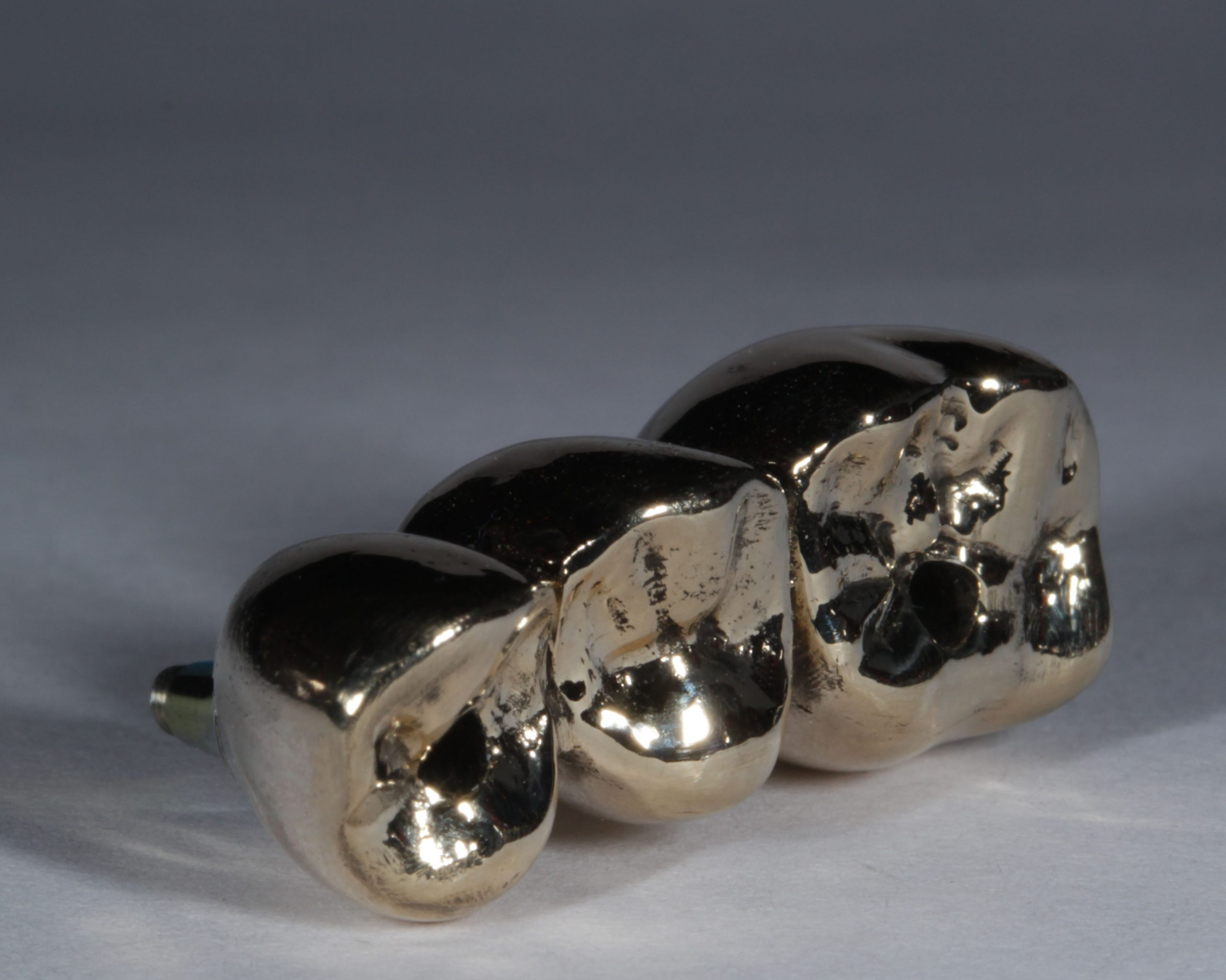21g gold made laser sintered by Skillbond on Ankylos screw retained Ti-bases_0017_Background_0012_Layer 3